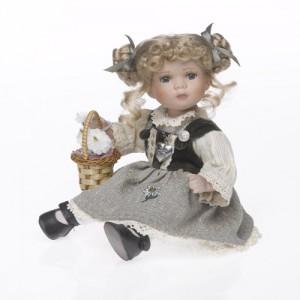 sedící panenka -
